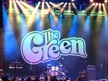Этап для зеленого шоу стоковое изображение rf