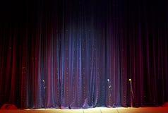 этап микрофонов занавеса Стоковая Фотография RF