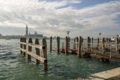Этап посадки и церковь Сан Giorgio Maggiore в Венеции, Италия, Стоковое Изображение RF