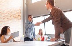 Этикет дела, партнерство предпринимателей, делая успешное дело Стоковые Фотографии RF