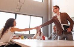 Этикет дела, партнерство предпринимателей, делая успешное дело Стоковые Изображения RF