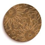 Этническая деревянная плита с сердцами. Изолированный на белизне Стоковое Фото