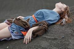 Этническая молодая женщина на том основании Стоковая Фотография