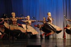 Этнический танец с снеговиком Олимпийских Игр 2014 Стоковая Фотография RF