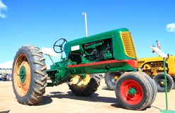Классицистический американский трактор: Оливер 70 стоковые фотографии rf