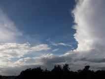 Это небо стоковое изображение