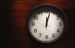 Это часы ` 12 o Стоковое Фото
