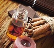 Эфирное масло с циннамоном и шоколадом Стоковая Фотография