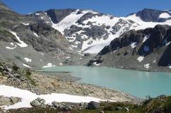 Эффектное высокогорное озеро Wedgemount стоковые фотографии rf