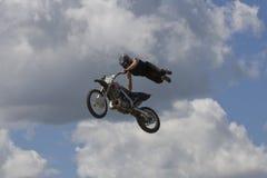 эффектное выступление велосипедиста Стоковая Фотография