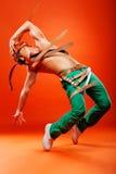 эффектное выступление профессионала танцора Стоковая Фотография