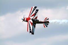 эффектное выступление самолета Стоковые Изображения