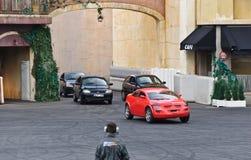 эффектное выступление студий Дисней paris автомобилей стоковое фото rf