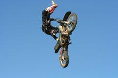 эффектное выступление motocross Стоковое Фото