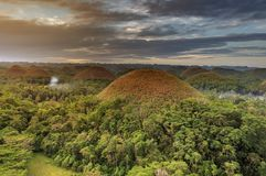 Эффектный взгляд на холмах шоколада, Bohol, Филиппины стоковые фотографии rf