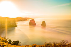 Эффектный заход солнца на шагах Гибсона и 12 апостолах Стоковая Фотография