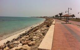 Эффектный прибрежный взгляд на восточном побережье Саудовской Аравии стоковые изображения