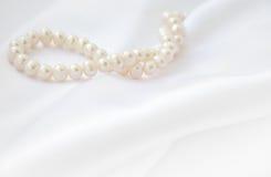 Элегантная белая предпосылка с шнурком Стоковое фото RF