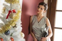 Элегантная девушка xmas с шампанским Стоковое Изображение RF