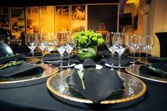 Элегантная таблица праздника, ресторанное обслуживаниа, творческий подход к событию Стоковое Изображение