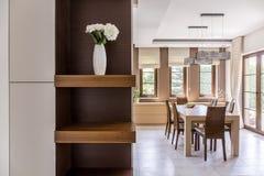 Элегантное оформление столовой в итальянском стиле стоковое изображение