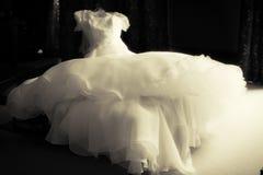 Элегантное платье свадьбы Стоковая Фотография