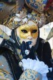 Элегантные маска и платье, в Венеции, Италия, Европа, конец вверх Стоковые Изображения