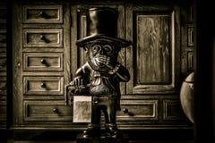 Элегантный держатель туалетной бумаги обезьяны Стоковые Фото