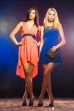 2 элегантных женщины в платьях Стоковые Изображения