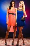 2 элегантных женщины в платьях Стоковое Фото