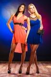 2 элегантных женщины в платьях Стоковое Изображение