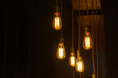 Электрическая лампочка в темноте Стоковая Фотография RF