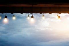 Электрическая лампочка в хате после идти дождь Стоковая Фотография RF