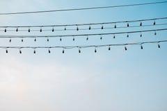Электрическая лампочка и провод Стоковые Изображения RF