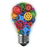 Электрическая лампочка и шестерни Концепция идеи Perpetuum передвижная Стоковые Изображения
