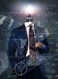 Электрическая лампочка на бизнесмене - концепции решения Стоковые Изображения