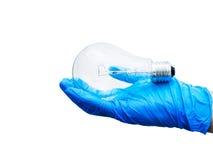 Электрическая лампочка раскаления изолированная на белизне Стоковые Изображения