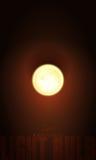 Электрическая лампочка реалистической иллюстрации 3d вектора горящая Пустой шаблон для того чтобы конструировать знаки или гирлян Стоковое Фото