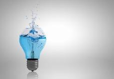 Электрическая лампочка с водой стоковое изображение