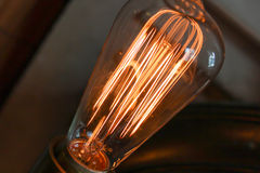 Электрическая лампочка Edison стоковое изображение