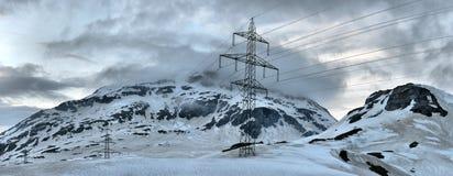 электрическая высокая линия напряжение тока силы Стоковое Изображение RF