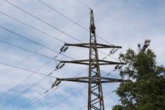 Электрическая поддержка с кабелем стоковые фото