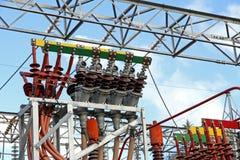 Электрическая система электростанции для того чтобы произвести электричество стоковые фото