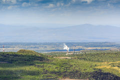 Электрическая станция геотермальной энергии в кратере Menengai, Nakuru, Кении Стоковое фото RF