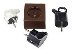 Электрическая штепсельная вилка и электрическое гнездо на белизне Стоковые Фото