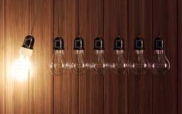 Электрические лампочки в вечном движении иллюстрация штока
