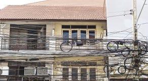 Электрические провода в городе в Таиланде Стоковые Фото
