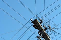 Электрические провода на штендере Стоковое Фото