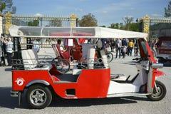 Электрический автомобиль Париж Tuk Tuk Стоковое Изображение RF