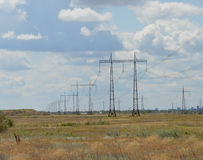 Электрический генератор против неба Стоковые Фотографии RF